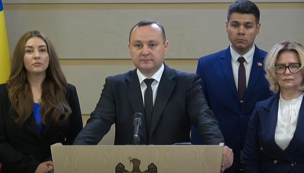 Батрынча: Правые разграбили Молдову. У них перед глазами только одна модель правления – Плахотнюка (ВИДЕО)