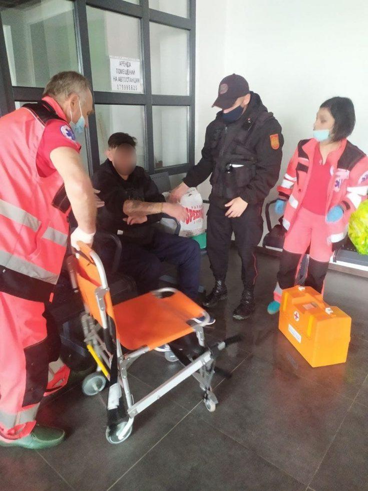 Карабинеры помогли комратчанину, потерявшему сознание на автовокзале