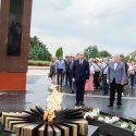 Владимир Воронин и Игорь Додон возложили цветы к Вечному огню (ФОТО, ВИДЕО)