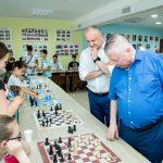 Додон: Сделаем всё, что в наших силах, чтобы и в Молдове появилась школа имени Анатолия Карпова (ФОТО, ВИДЕО)