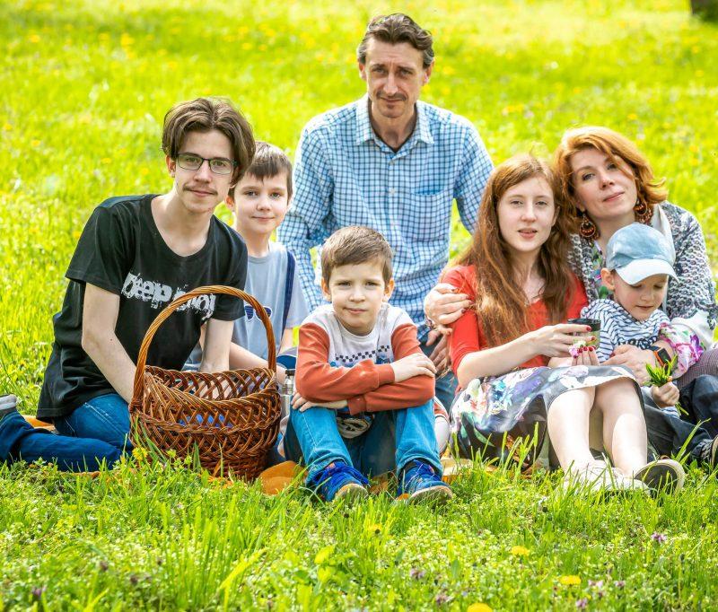 Четыре сыночка и лапочка дочка