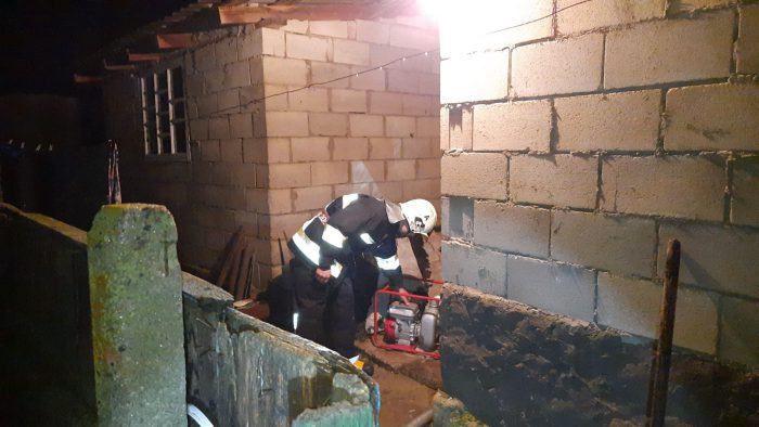 Ливень затопил подвалы и дворы во многих населённых пунктах (ВИДЕО)