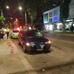 Пешеход попал под колёса такси