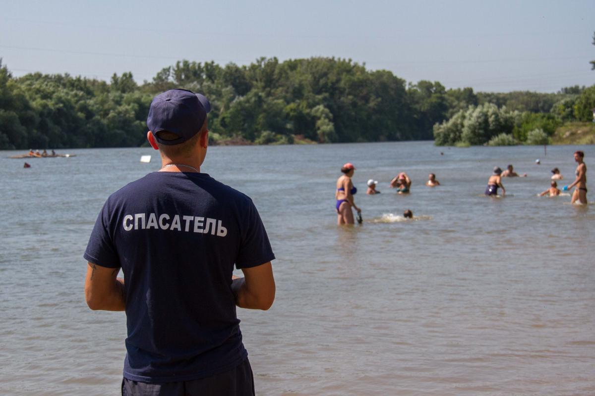 Спасатели реанимировали утонувшего мужчину