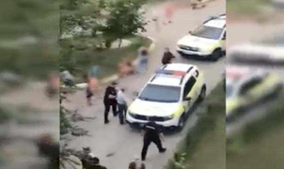 Шок: на Чеканах полиция задержала мужчину, предлагавшего детям деньги за интим (ВИДЕО 18+)