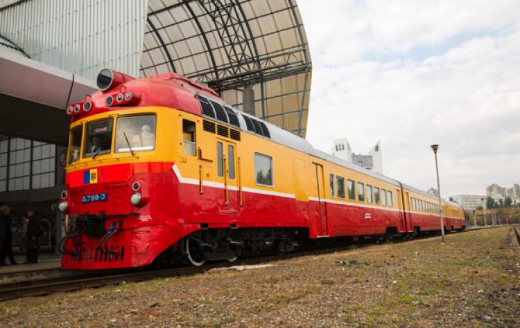 С понедельника возобновляется движение нескольких пригородных поездов