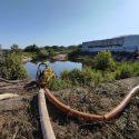 Риск затопления: спасатели откачали воду из водохранилища в Штефан-Водском районе