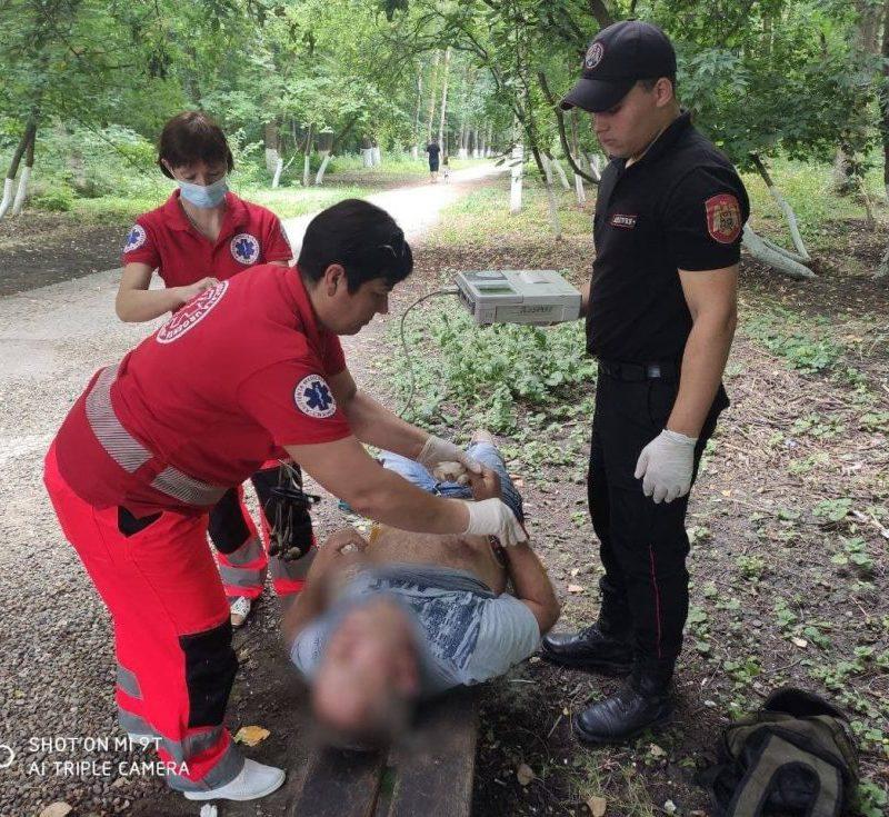 Бдительность и неравнодушие: патрульные помогли потерявшему сознание мужчине