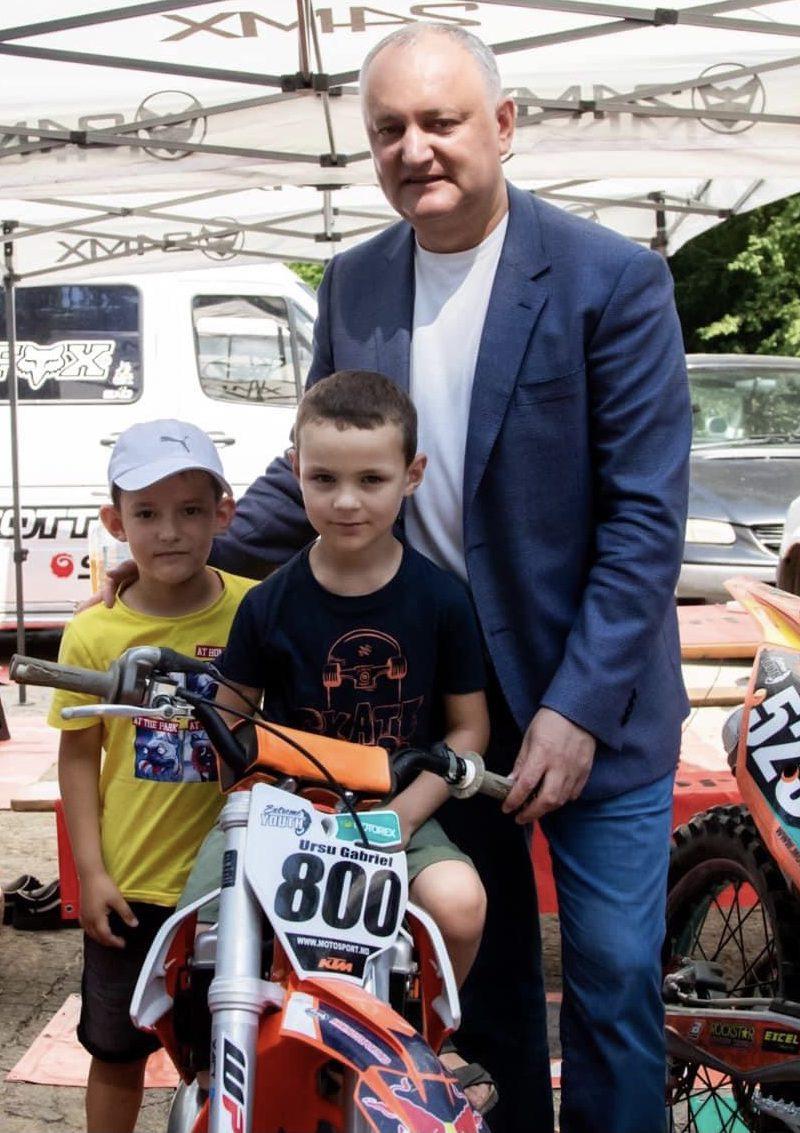 Игорь Додон принял участие в открытии первого этапа Чемпионата Молдовы по мотокроссу