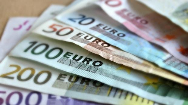 Сколько будут стоить основные валюты в понедельник
