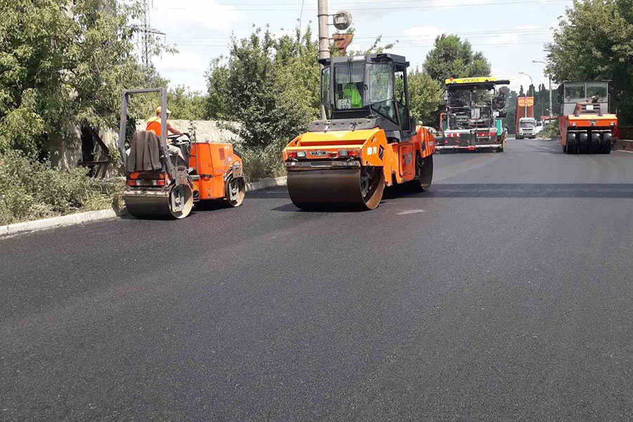 Ремонт дорог в Кишинёве: днём и ночью в работе множество улиц