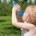 Выпила растворитель для краски: двухлетняя девочка госпитализирована