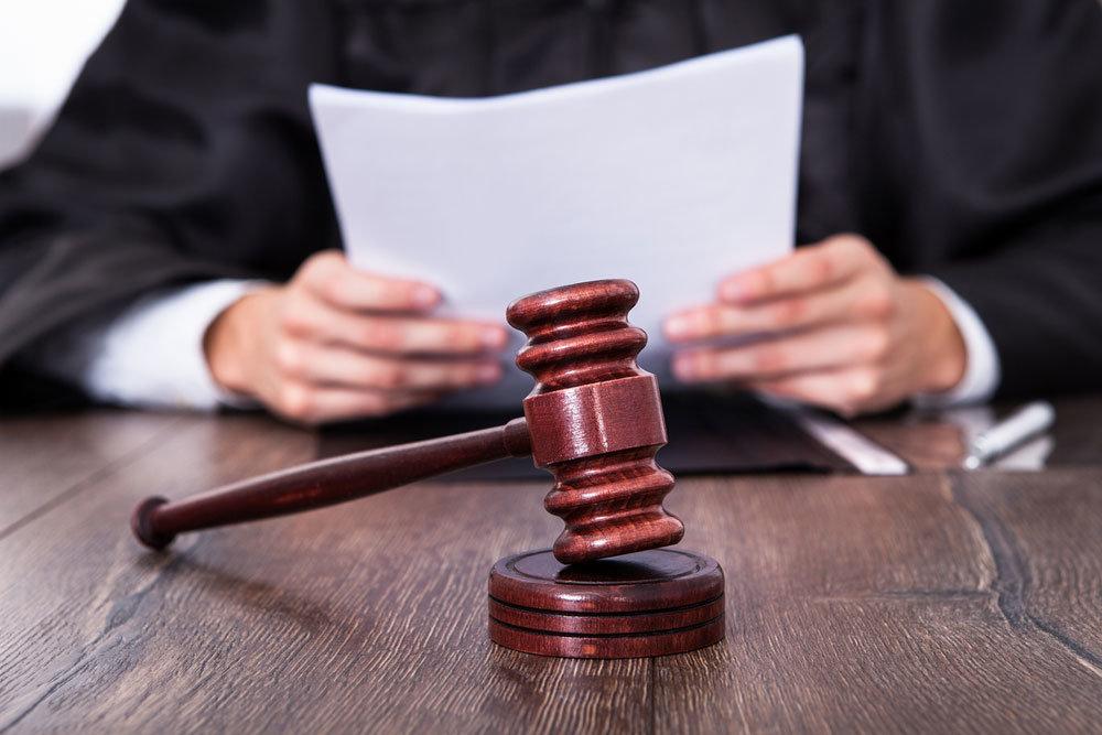 На 10,5 лет осудили мужчину за изнасилование несовершеннолетней