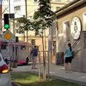ДТП в центре столицы: троллейбус сбил человека на самокате (ВИДЕО)
