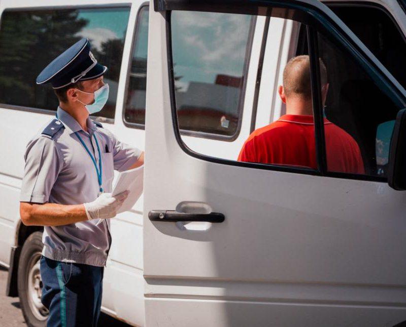 Предъявили фальшивые тесты: шесть путешественников отправлены на карантин