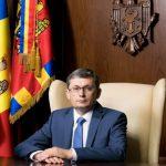 В первый день осенней сессии Парламента РМ Гросу улетает в Румынию и берёт с собой 10 депутатов ПДС