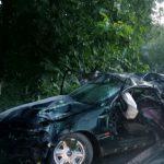 Opel врезался в дерево в Бричанах: погиб 17-летний водитель, двое пассажиров в больнице