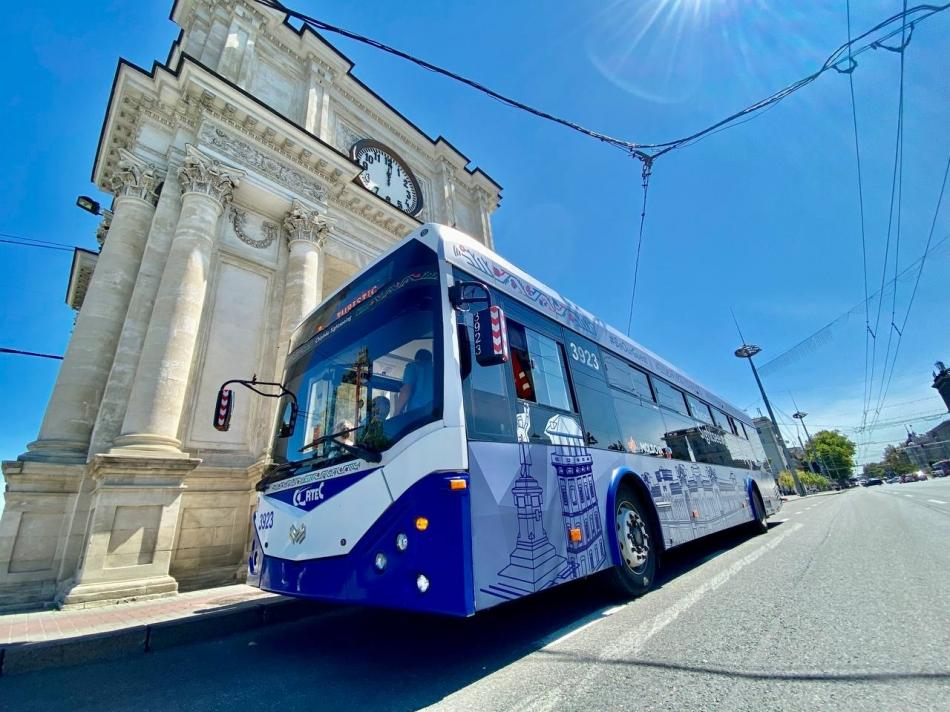 Ещё одна экскурсия на русском языке: расписание туристического троллейбуса в Кишинёве изменят