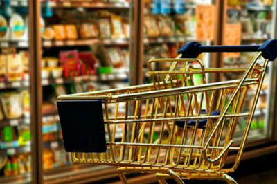 Спрятала неоплаченный товар в сумку: ушлой покупательнице грозит срок за кражу