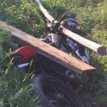 Превысил скорость и перевернулся на мотоцикле: водителя госпитализировали после ДТП
