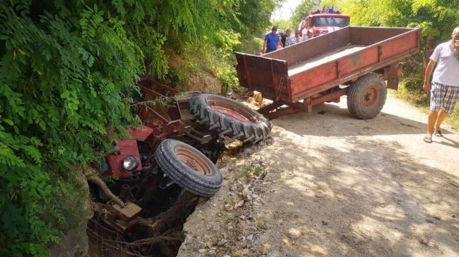 В Теленештах трактор угодил в канаву. Водитель в тяжёлом состоянии