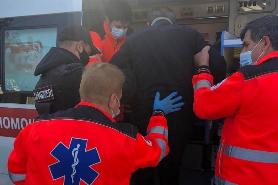 Стало плохо на улице: карабинеры пришли на помощь жителю Комрата