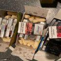 """Кукурузные палочки с """"сюрпризом"""": молдаванина задержали за контрабанду сигарет"""