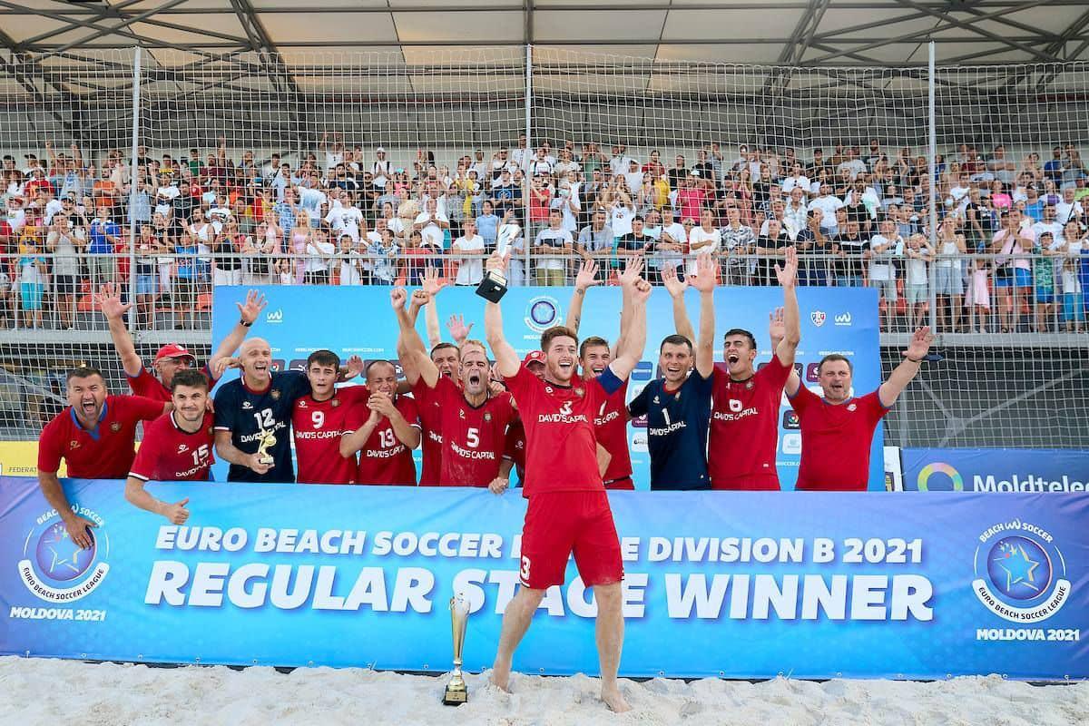 Додон поздравил сборную Молдовы по пляжному футболу с бронзой: Ваш успех – это успех всей страны!