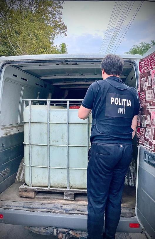 """В Молдове """"прикрыли"""" нелегальный алкогольный бизнес: изъят товар на 300 тысяч леев"""