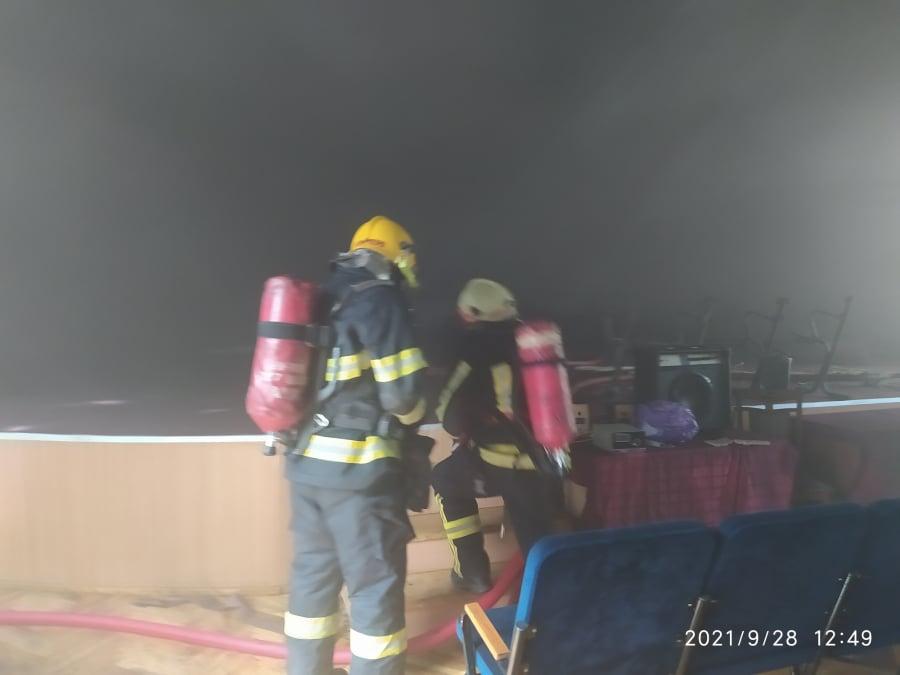 В Центре профподготовки на Рышкановке вспыхнул пожар: людей эвакуировали