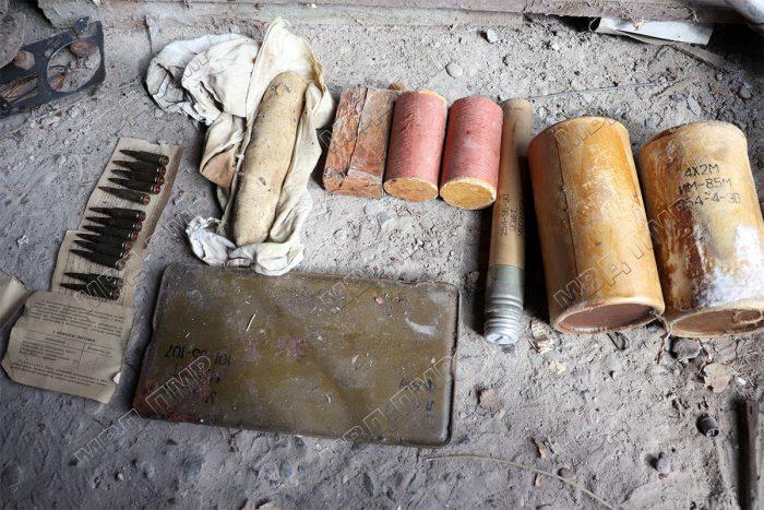 """""""Сюрпризы"""" в гараже: житель Слободзеи нашёл целый арсенал боеприпасов во время уборки"""