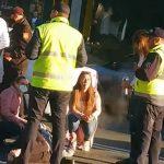 Женщина попала под колёса машины такси в столице