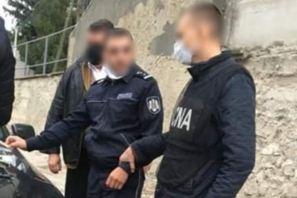 Полицейский из Единец запросил свыше 1200 евро за помощь в получении водительских прав
