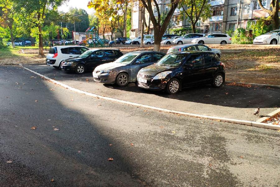 Генпримар о парковках в столице: Мы создаём места, но машин очень много