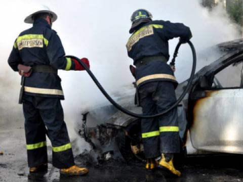 В Бельцах загорелась машина: обошлось без жертв