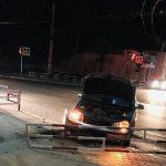 В Бельцах пьяный водитель врезался в парапет