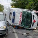 В Тирасполе произошло жуткое ДТП с участием машины скорой помощи: момент попал на камеру (ФОТО, ВИДЕО)
