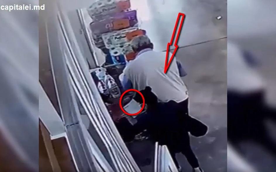 Украли кошелёк у невнимательного покупателя: двум карманницам грозит до 2 лет тюрьмы (ВИДЕО)