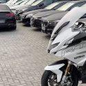Чиновник и его подельники задержаны за махинации с люксовыми авто (ВИДЕО)