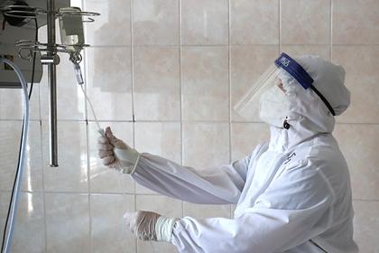 Вирусологи предрекли новые вспышки COVID-19