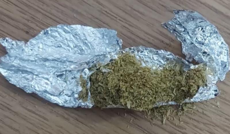 На Рышкановке патрульные задержали пару с наркотиками (ВИДЕО)