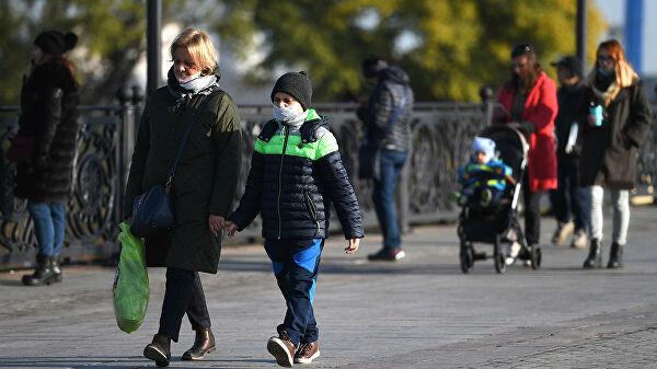 Учёные оценили риск заражения коронавирусом на улице