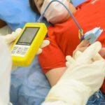 Уровень госпитализации с COVID-19 среди невакцинированных в 12 раз выше