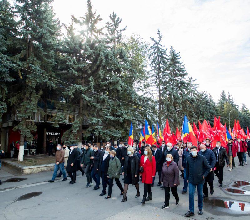 В Бельцах прошли марш и митинг в поддержку кандидата БКС на пост примара Бельц Александра Нестеровского (ФОТО, ВИДЕО)