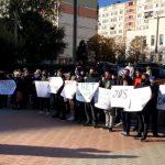 """""""Свободу Стояногло!"""": у суда сектора Чеканы проходит протест"""