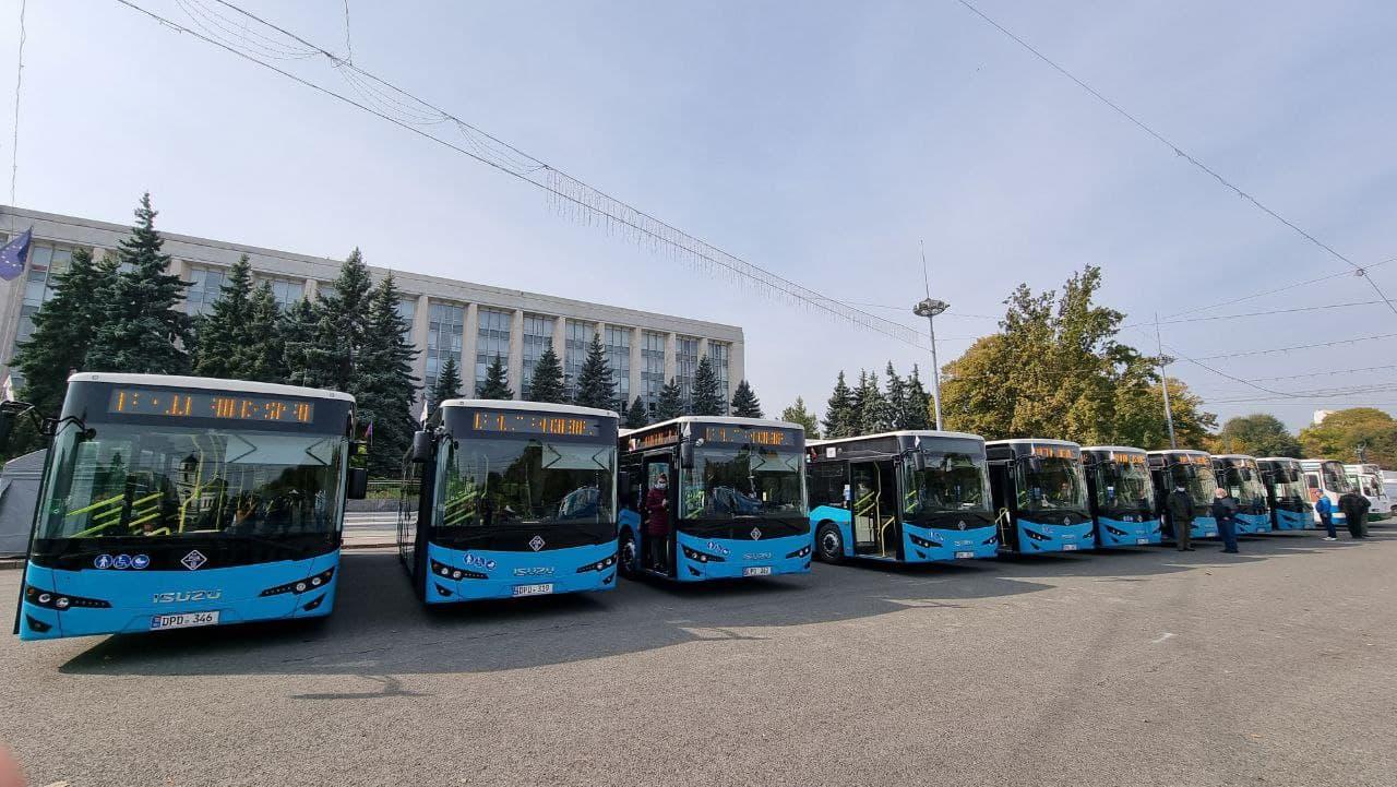 В Храмовый праздник Кишинёва на столичные маршруты были выведены ещё 9 новых автобусов ISUZU