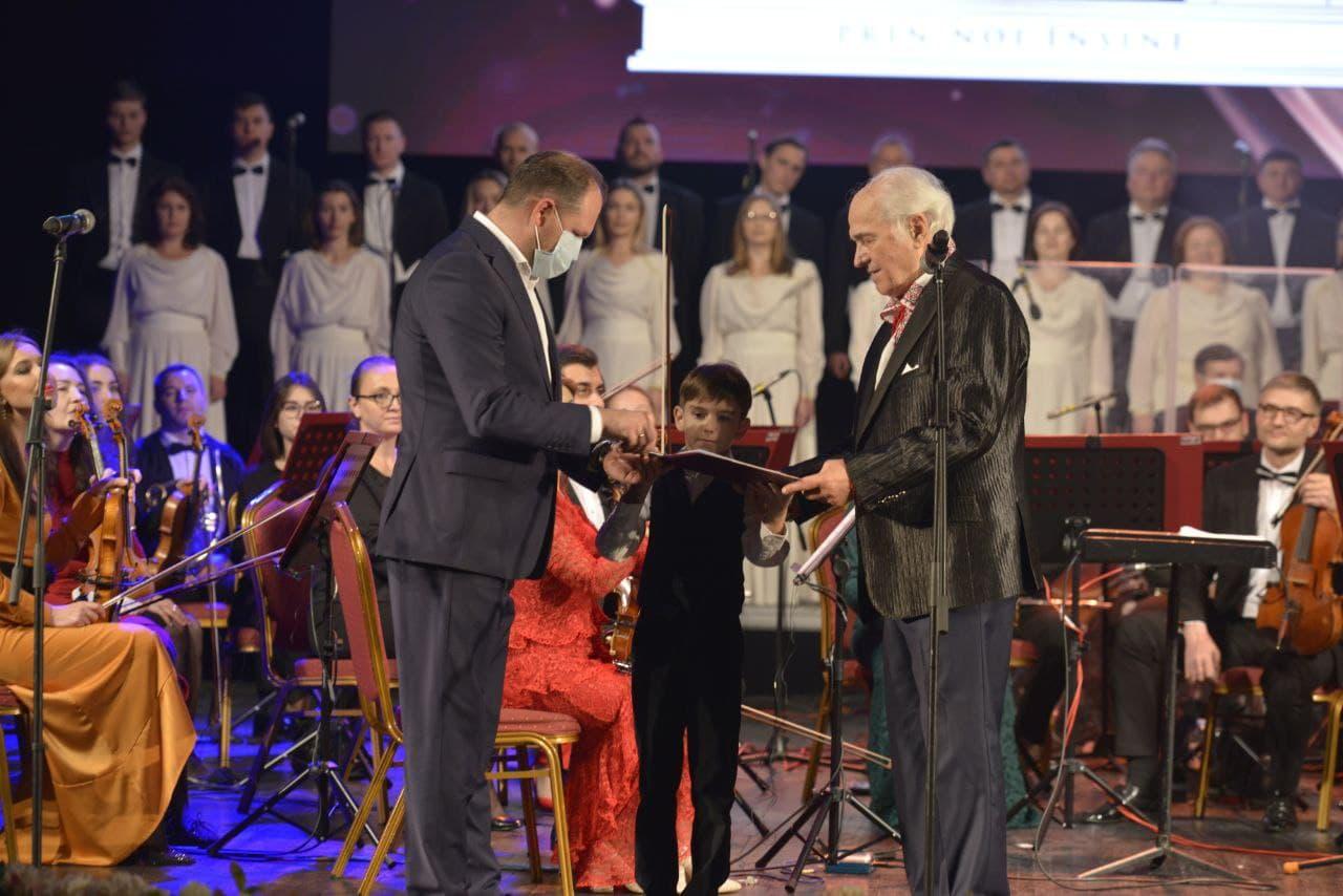 Гимн Кишинёва передан будущим поколениям. Чебан: Это прекрасный жест со стороны маэстро