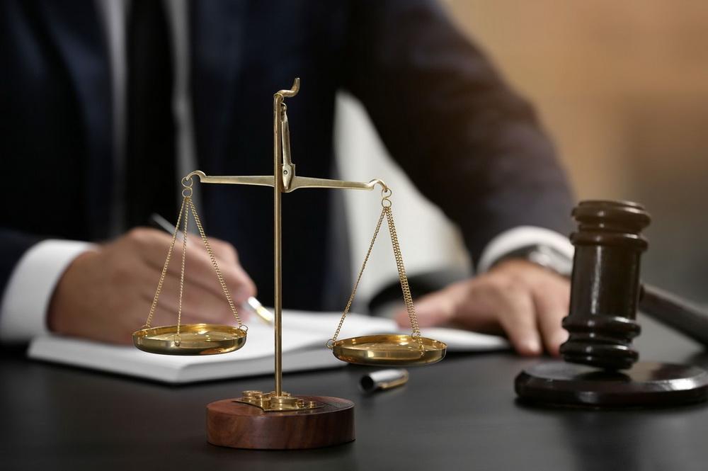 Бендерчанина осудили на 17 лет за изнасилование падчерицы